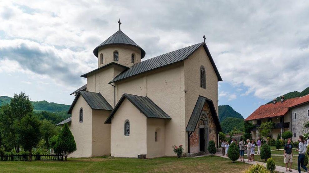 naslovna Manastir Morača